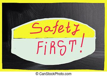 first!, biztonság