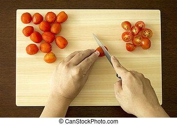 Chopping Cherry Tomato