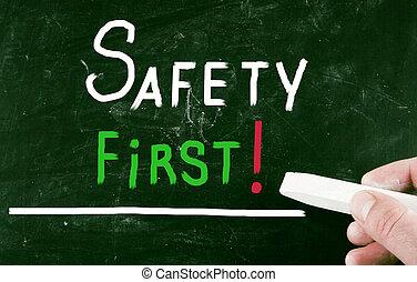 first!, seguridad
