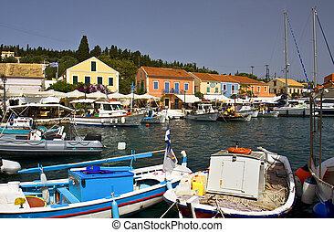 fiscardo, île, grèce, ancré, pêchant village, bateaux, kefalonia