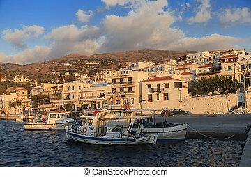 fischerboote, in, der, bucht, von, griechisches dorf