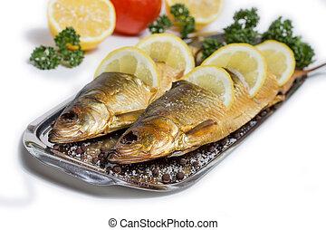 fish, たばこを吸った