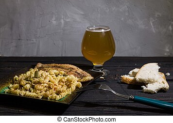 fish, 木製である, 水分が多い, ビール, 背景, パスタ, おいしい, bread