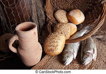 fish, bread, 水差し, ワイン