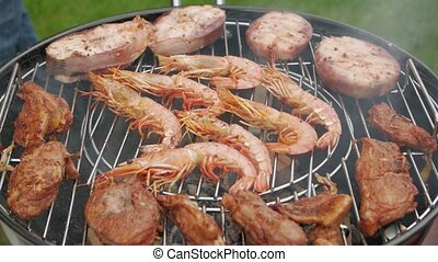 fish, crevette, viande, gril