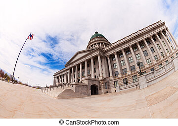 Fish-eye view of Utah Capitol building during day