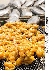 Fish Roe of snakeskin gourami - raw fish Roe of snakeskin ...