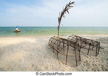 fish, spiaggia, trappole