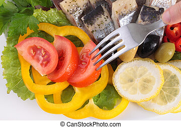 fish with vegetables, anion red pepper