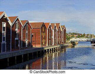 Fishermen Houses (Hudiksvall) - The sund kanal in Hudiksvall...