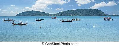 Fishermen sea fishing