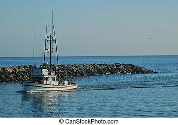 fishing boat coming into Santa Cruz harbor - fiashing boat...