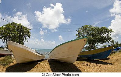 fishing boats on beach nicaragua
