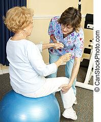 fisioterapia, con, yoga, pelota