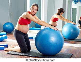 fitball, kobieta, pilates, ruch, brzemienny