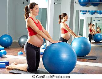 fitball, mujer, pilates, ejercicio, embarazada