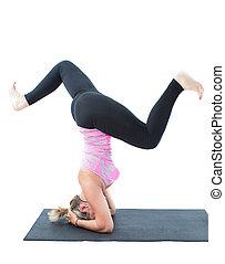 fitness, femme, faire, étendue, sur, yoga, et, pilates, pose