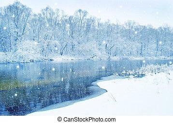 fiume inverno