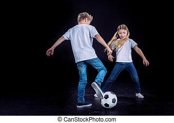 fivér lánytestvér, játék, noha, focilabda