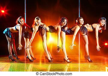 Five women show - Five young women show on scene.