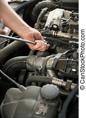 Fixing vehicle engine