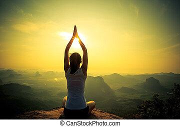 fjäll, kvinna planera, ung, bergstopp, fitness, soluppgång