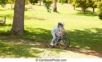 fjäll, par, cykla, utanför, pensionerat