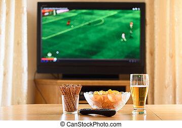 fjernsynet, television. iagttage, (football, soccer, match), hos, mundsmager, lyi