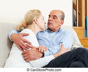 flörtölés, szeret, öregedő, család, ülés