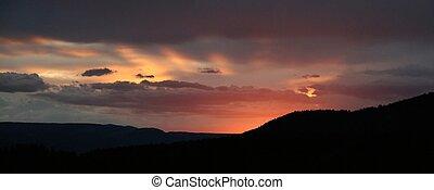 Flaming Gorge sunrise