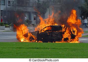 flammes, brûler, voiture, rue., avancé, étape