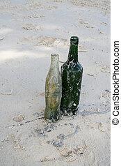 flaschen, sandstrand