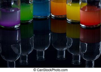 Flaskor, färgad, flytande, apotekare, laboratorium, reflexion
