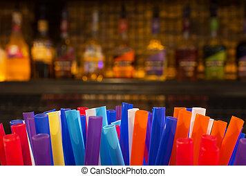 flaskor, humören, färgrik, sprit, suddig, straws, natt, hinder