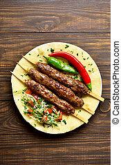 flatbread, adana, kebab, vegetales, fresco, turco
