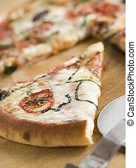 fleischtomaten, aubergine, scheibe, basilikum, mozzarella, pizza