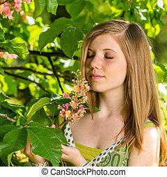 fleur, girl, arbre, jeune, sentir