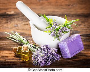 fleurs, essence lavande, essentiel