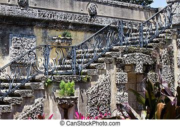 fleurs, vieux, escalier, orné