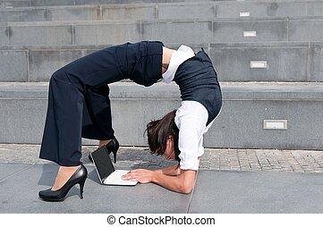 flexível, negócio, -, mulher, com, laptob