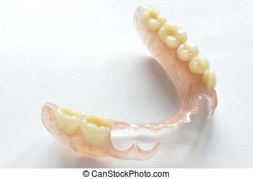 Flexible prosthesis 7 - Removable dentures flexible, devoid...
