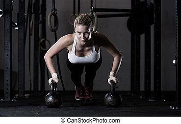 flexiones, kettlebells