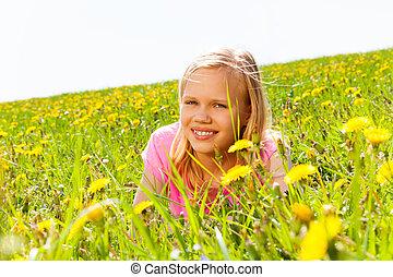 flicka, blomningen, äng, blond, lycklig