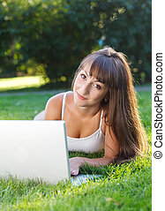 flicka, ha, lycklig, ung, nöje, dator, användande
