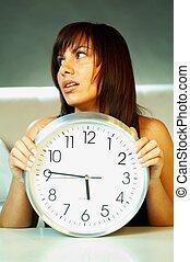 flicka, klocka