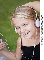flicka, med, hörlurar