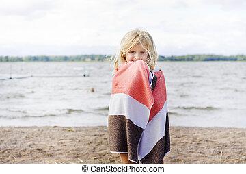flicka, med, handduk