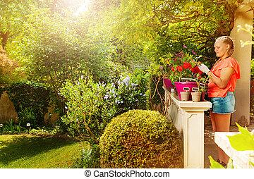 flicka, växt, blomkruka, terrassera, holdingen