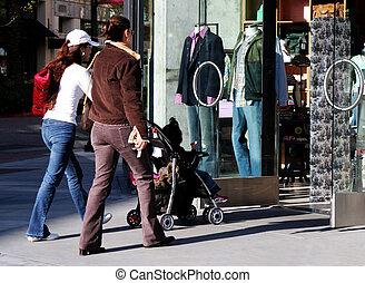 flickor, gående shoppa