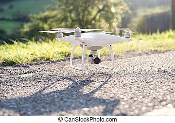 fliegen hubschrauber, brummen, mit, kamera., grün, sonnig, nature.